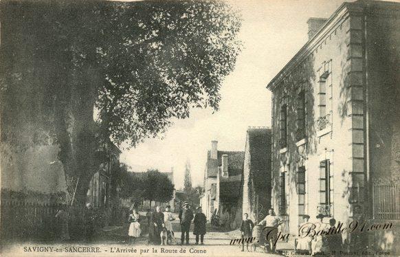 Carte Postale Ancienne de Savigny en Sancerre - l'Arrivée par la route de Cosne