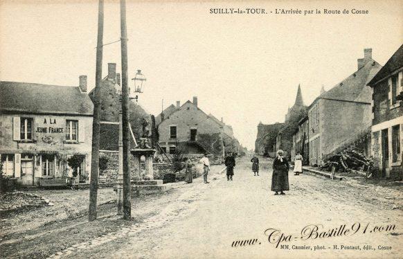 Carte-Postale Ancienne de Suilly la Tour - l'Arrivée par la route de Cosne