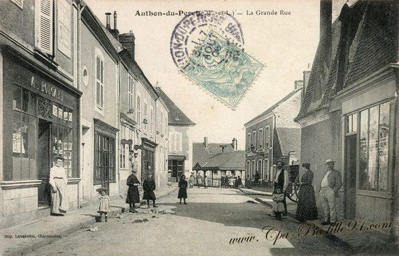Carte Postale Ancienne de Authon-du-Perche - La Grande rue