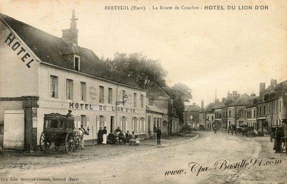 Carte Postale Ancienne - Breteuil la Route de Conches - hôtel du Lion-d'Or