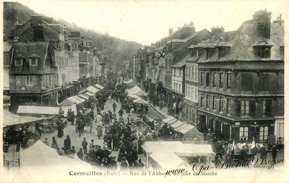 Carte Postale Ancienne de Cormeilles Rue de Labbaye un Jour de Marché