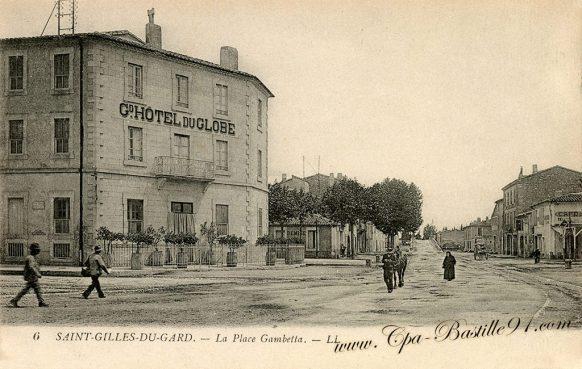 Carte Postale Ancienne de Saint Gilles du Gard - La Place Gambetta -