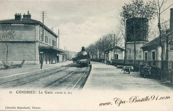 Carte Postale Ancienne de Condrieu - La Gare