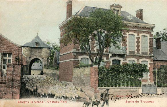 Essigny-le-Grand - Château Fort - La sortie du troupeau de Moutons