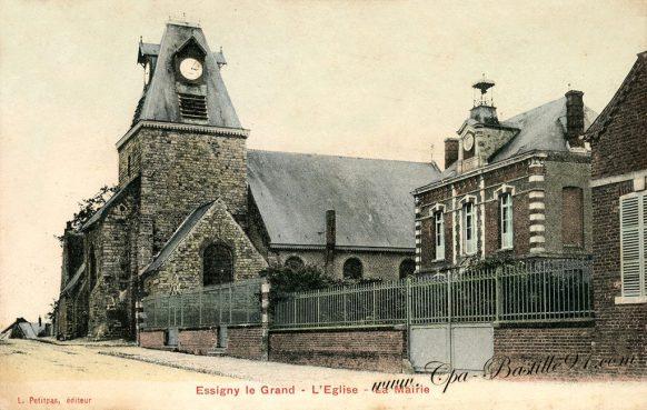 Carte Postale Ancienne d'Essigny le-Grand - l'église et la Mairie