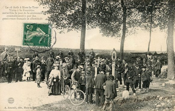 Carte Postale Ancienne de Mars la Tour - Visite à la Frontière - Gendarmes Français et Allemands