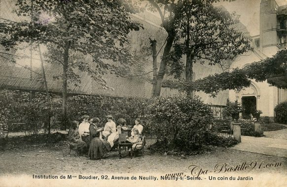 Carte Postale Ancienne-institution de madame Boudier avenue deNeuilly