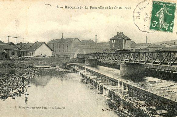 Cartes postales Anciennes de Baccarat - la Passerelle et les Cristalleries