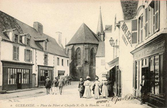 Guérande - Place du Pilori et Chapelle notre Dame la Blanche