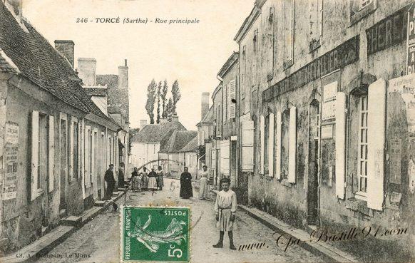 Cartes Postales Anciennes de Torcé - La rue principale