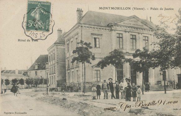 Carte Postale Ancienne de Montmorillon - Le Palais de Justice