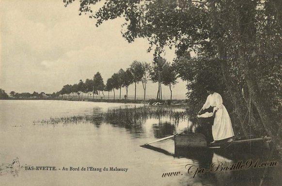 Carte Postale de au bord de l'étang du Malsaucy à Bas Evette à la belle époque