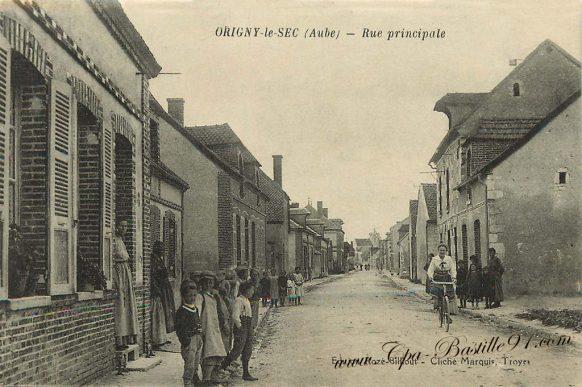 Carte Postale Ancienne - Origny-le-Sec La rue principale