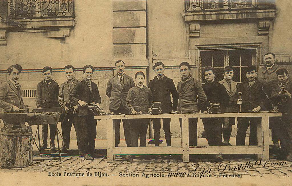 École Pratique de Dijon - Section Agricole Maréchalerie et Ferrure