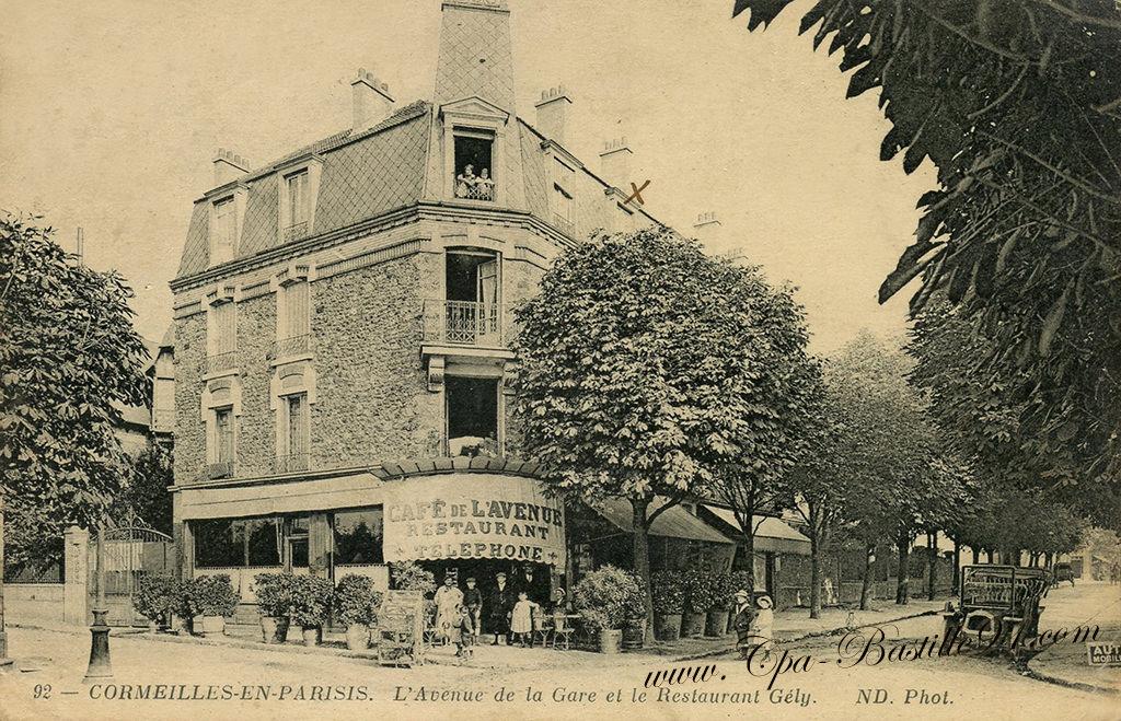Cormeilles en Parisis - l'avenue de la Gare et le Restaurant Gely