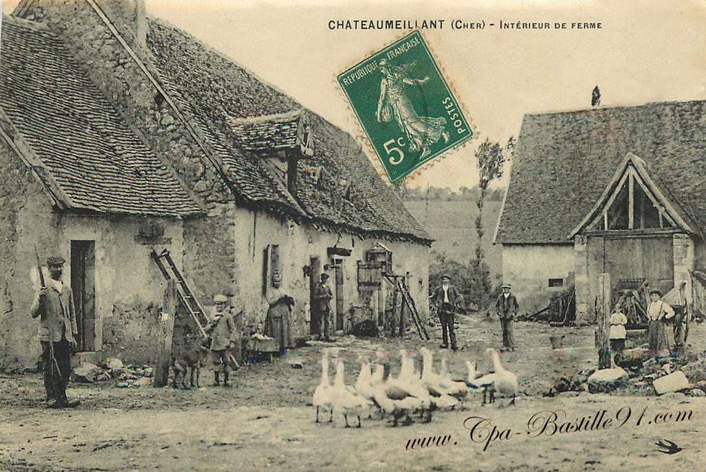 Carte Postale Ancienne de Chateaumeillant ( Cher) Intérieur de ferme